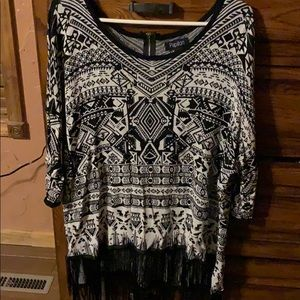Papillon knit top with fringe